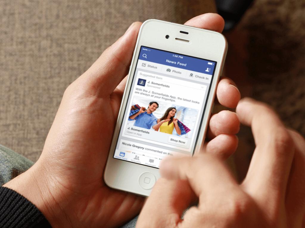 Come falsificare un check in su Facebook e far credere a tutti di trovarsi in qualsiasi parte del mondo