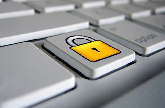 Due strumenti per proteggere sicurezza e privacy su Facebook