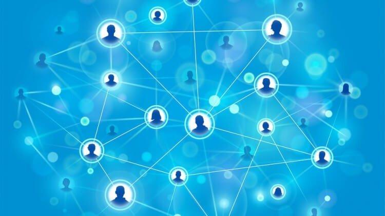 connessioni facebook